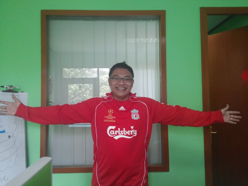 Me in LFC home 2006/2008 long sleeve shirt