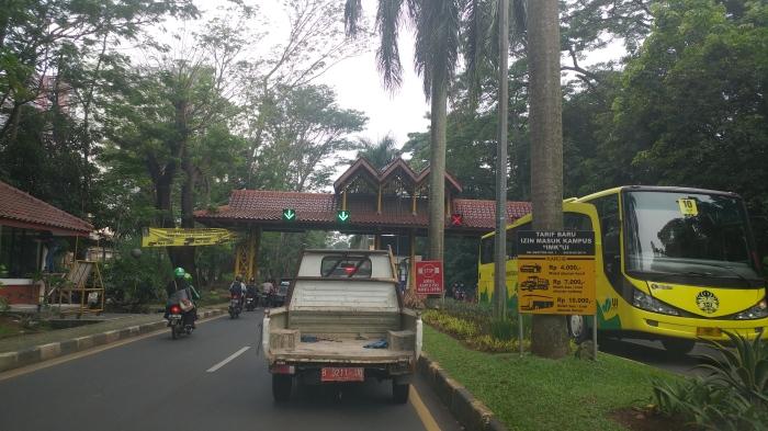 Exit Gate Universitas Indonesia, sesaat sebelum pulang
